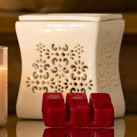 Candle-lite Everyday Collection Highly Fragranced Wax Cubes 2 oz intensywny wosk zapachowy kostki 56 g ~ 60 h - Juicy Black Cherries
